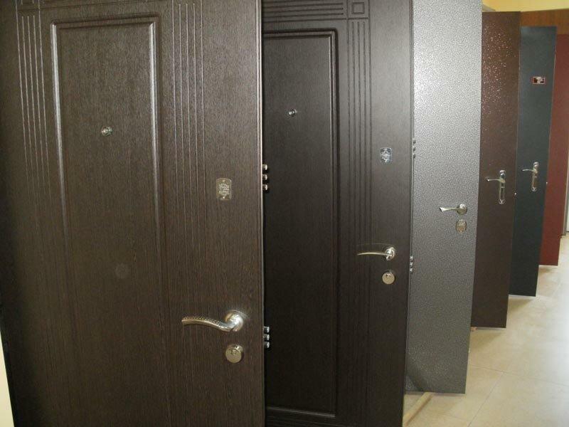 брнированные входные двери