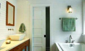 Металлопластиковая дверь в ванную