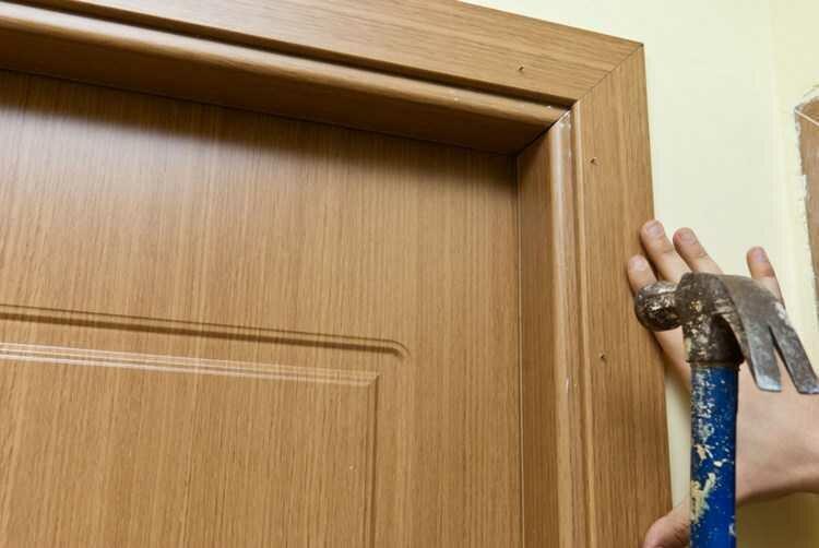 Новогодние Как поставить межкомнатную дверь своими руками