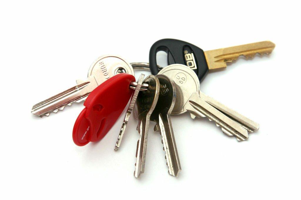 Как открыть дверь если потерял ключи